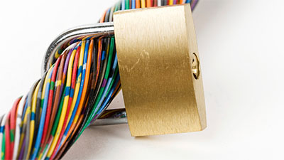 Lock around a cable of wires